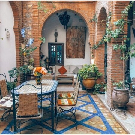 Comfy Cozy—How to Make a Beautiful Patio Dining Space and Seating Area